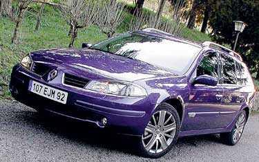 Ansiktslyftet ger Renault hopp. Ny inredning och nos ska locka bilköparna.