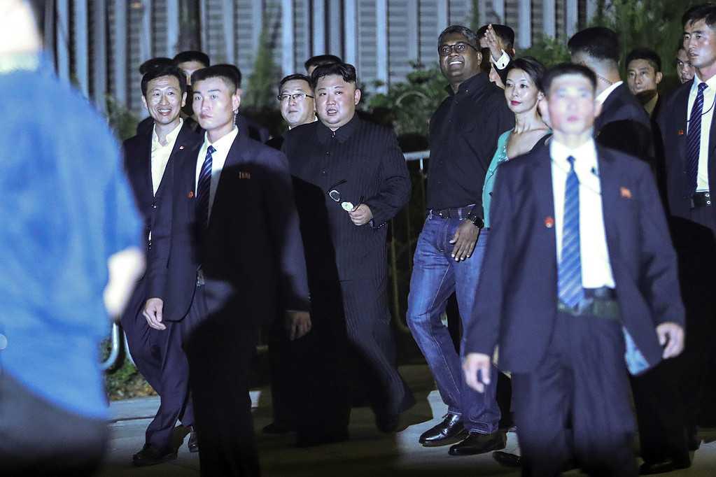 På promenad i Singapore före mötet med USA:s president Donald Trump. Fotograferat av  Yong Teck Lim, journalist i Singapore.