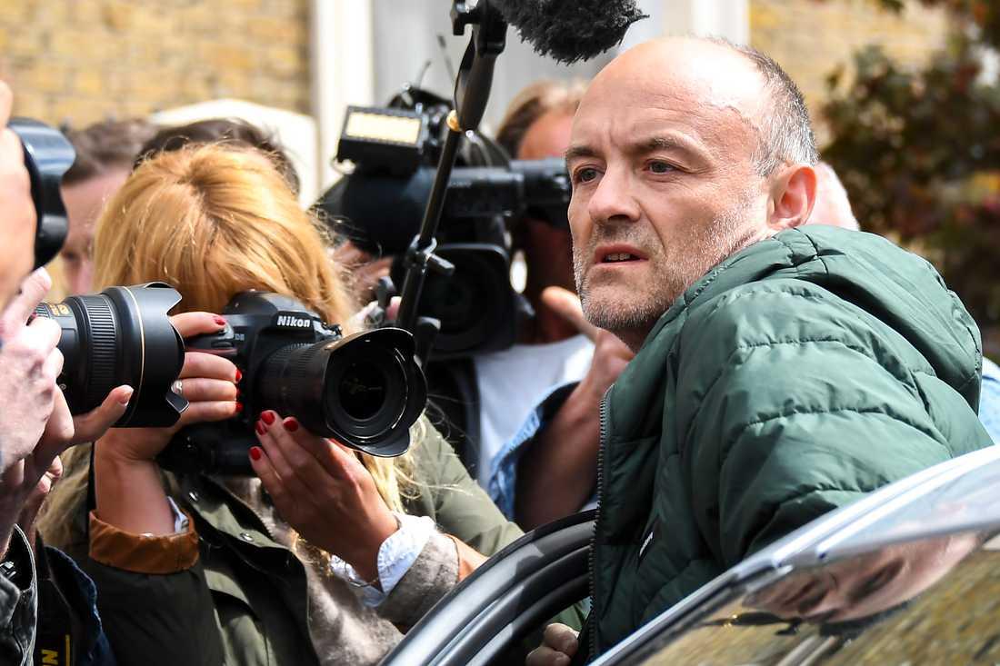 Dominic Cummings, Boris Johnsons närmsta rådgivare, var ansatt av brittiska medier på söndagen.