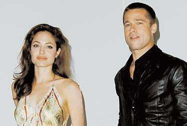 egna regler Angelina Jolie och Brad Pitt vägrade i natt att svara på frågor om sitt privatliv när de intervjuades av Aftonbladet.