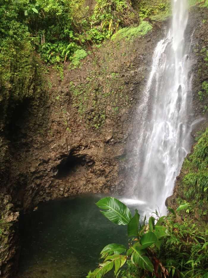 Middleham falls på Dominica.