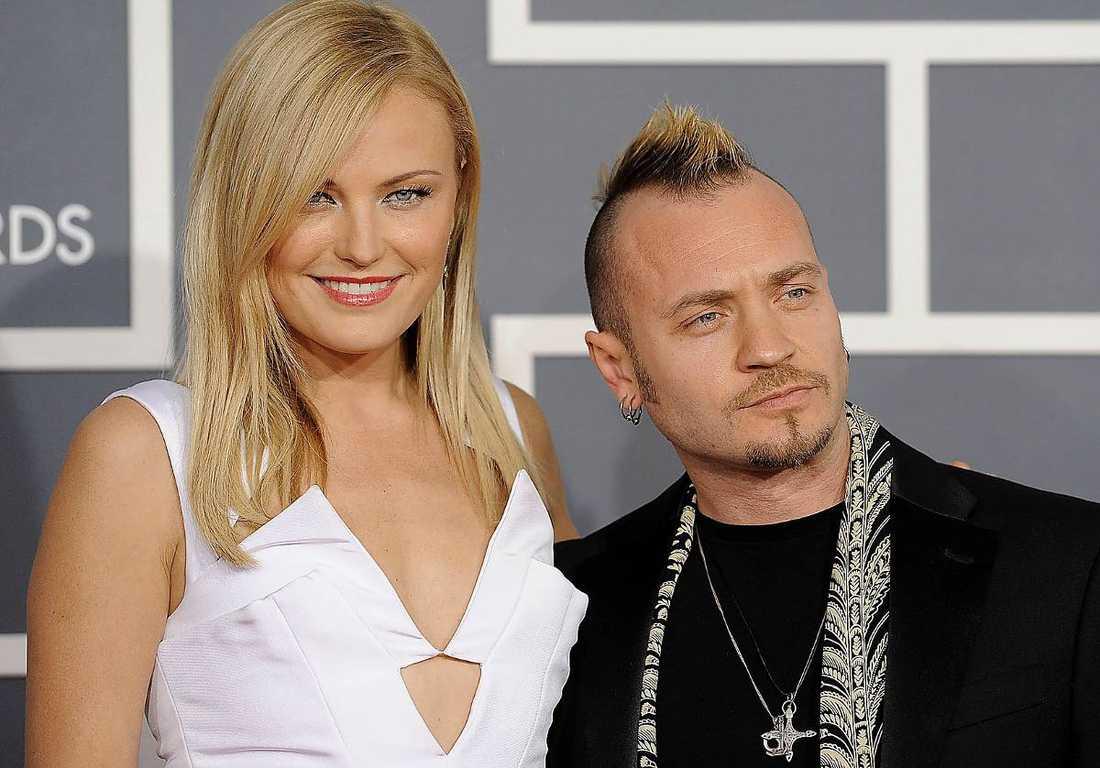 Malin Åkerman och den italienske trummisen Roberto Zincone gifte sig 2007.