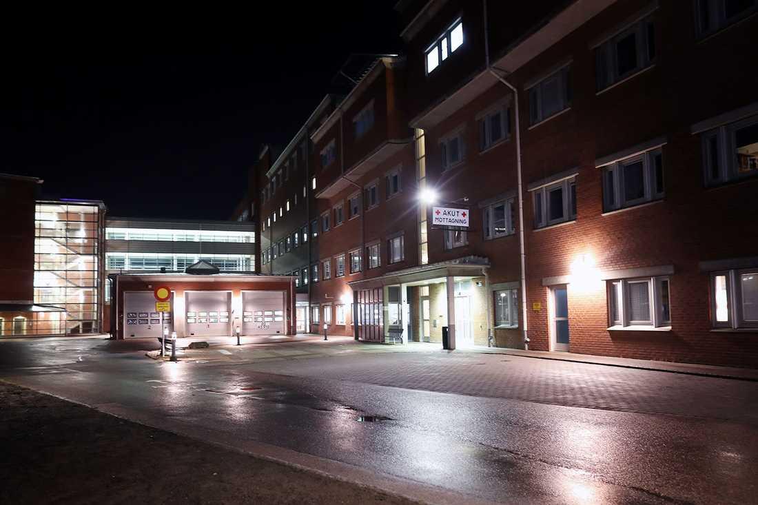 Pojken vårdas på Hallands sjukhus.