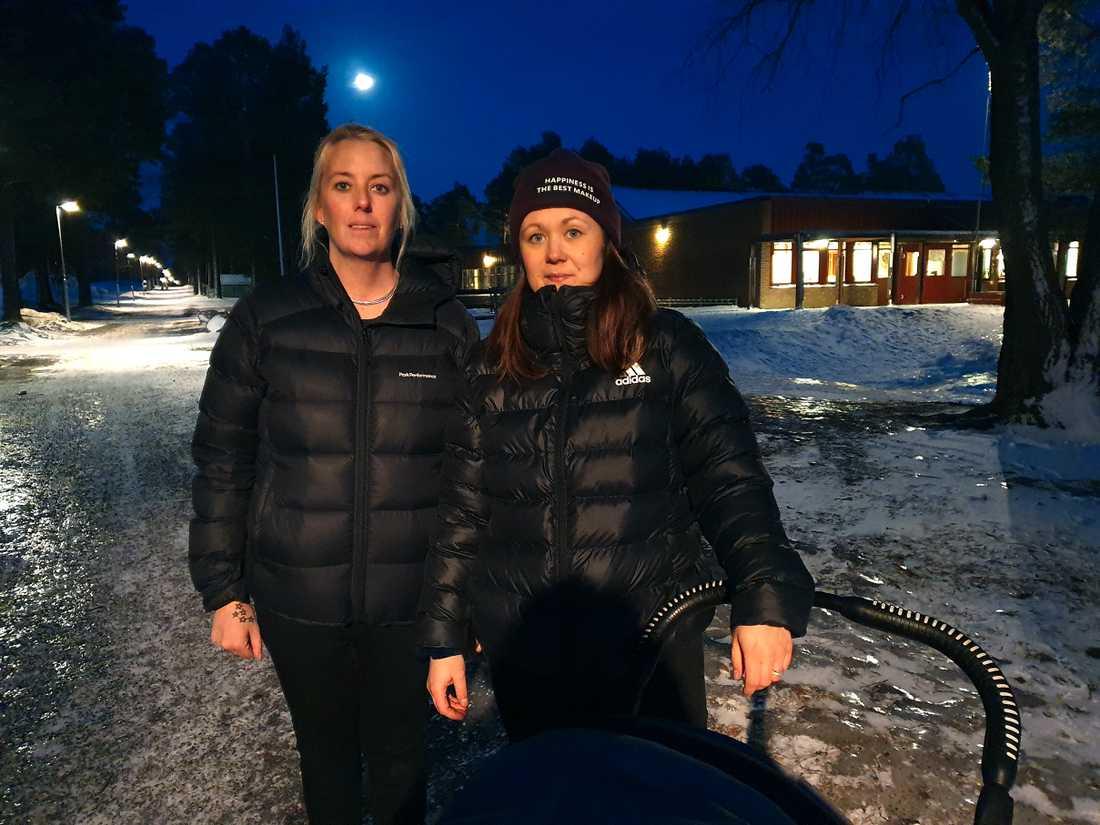 Från vänster: Caroline Davidsson och Emelie Björklund vid Körfältsskolan och Palmcrantzsskolan.