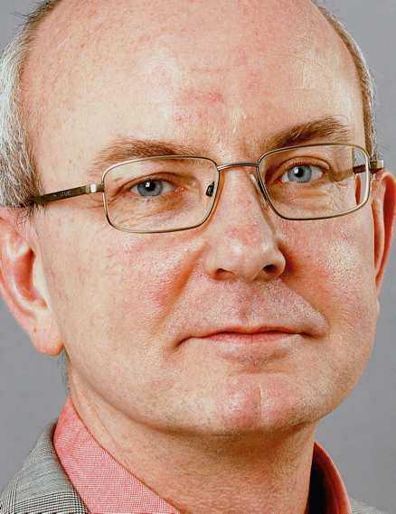 Peter Kadhammar är reporter på Aftonbladet samt författare. Hans senaste bok, Vad gjorde du under kriget (Fischer&Co), har just utkommit.