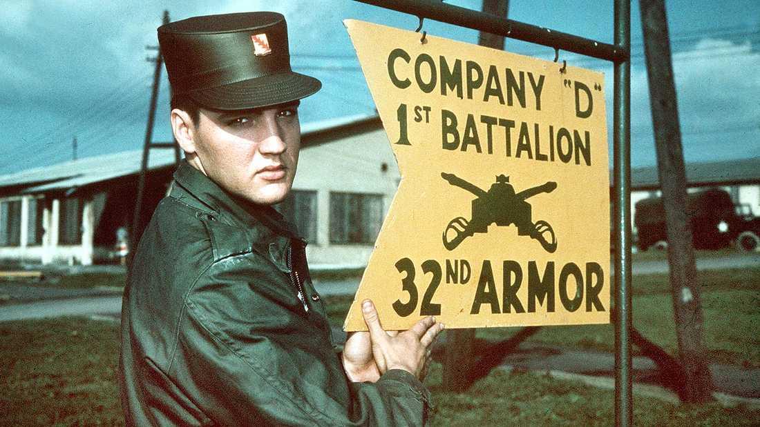 Elvis Presley under militärtjänstgöringen i Tyskland.