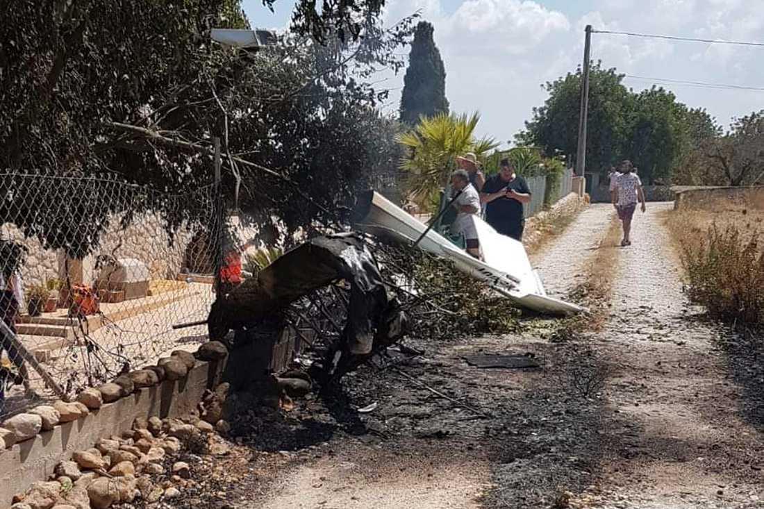 Sju personer omkom när en helikopter och ett mindre flygplan kolliderade på Mallorca i Spanien.