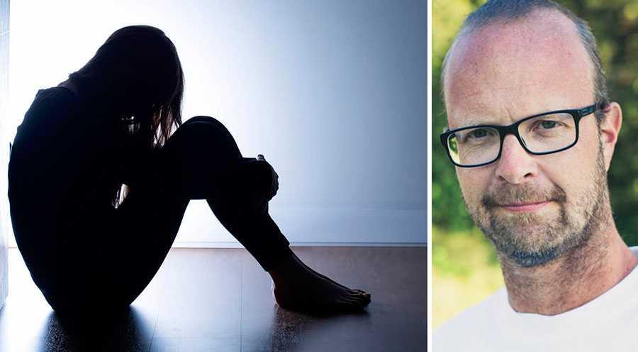 Att det fortfarande är lagligt i Sverige att hetsa eller instruera någon till att ta sitt liv går stick i stäv med den nollvision för självmord som riksdagen antog år 2008, skriver Alfred Skogberg. Bilden till vänster är en genrebild.