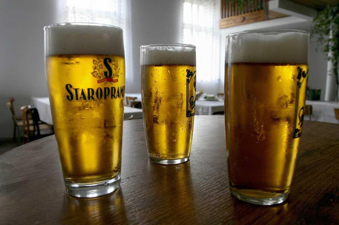 Ölen som återkallas är fatöl av märket Staropramen.