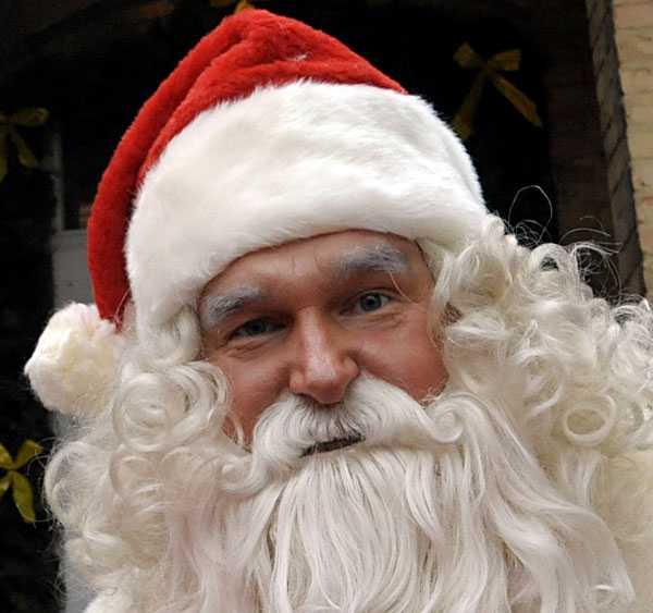 Snäll tomte Tomten kom med en fin julklapp till familjen i Dartmouth, Kanada.