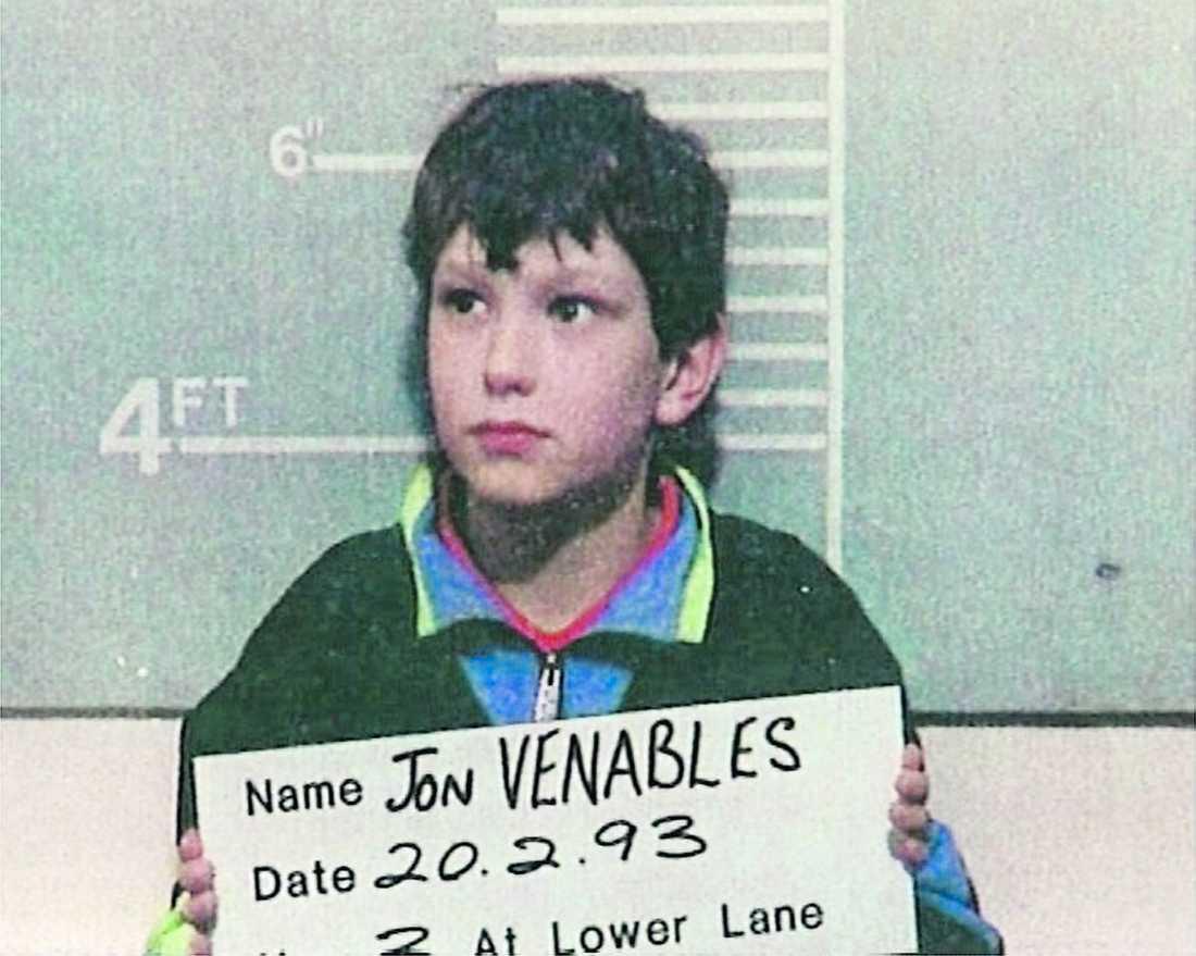 brutalt dåd Jon Venables uppmärksammades 1993 när han tillsammans med sin kompis som tioåring brutalt mördade tvååriga James Bulger. Nu har han polisen gripit honom igen.