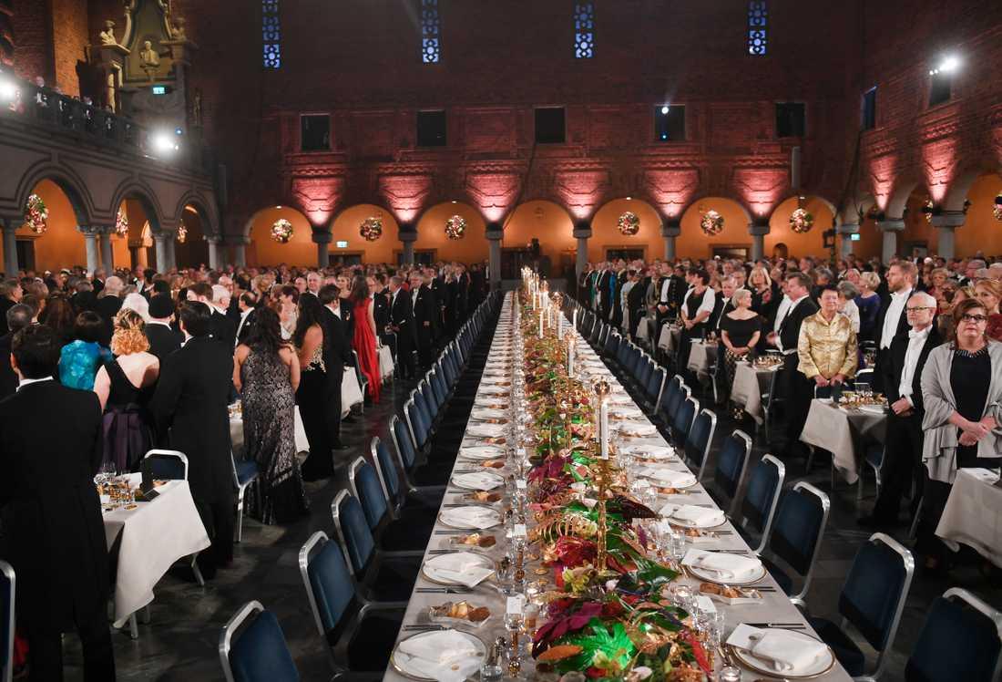Honnörsbordet inför Nobelbanketten i Stadshuset i Stockholm, där SD:s partiledare Jimmie Åkesson inte kommer att sitta. Arkivbild.