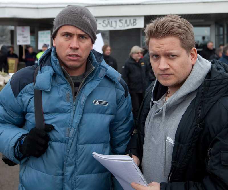 Aftonbladets Anders Deros (fotograf) och Markus Eriksson på plats i Trollhättan.