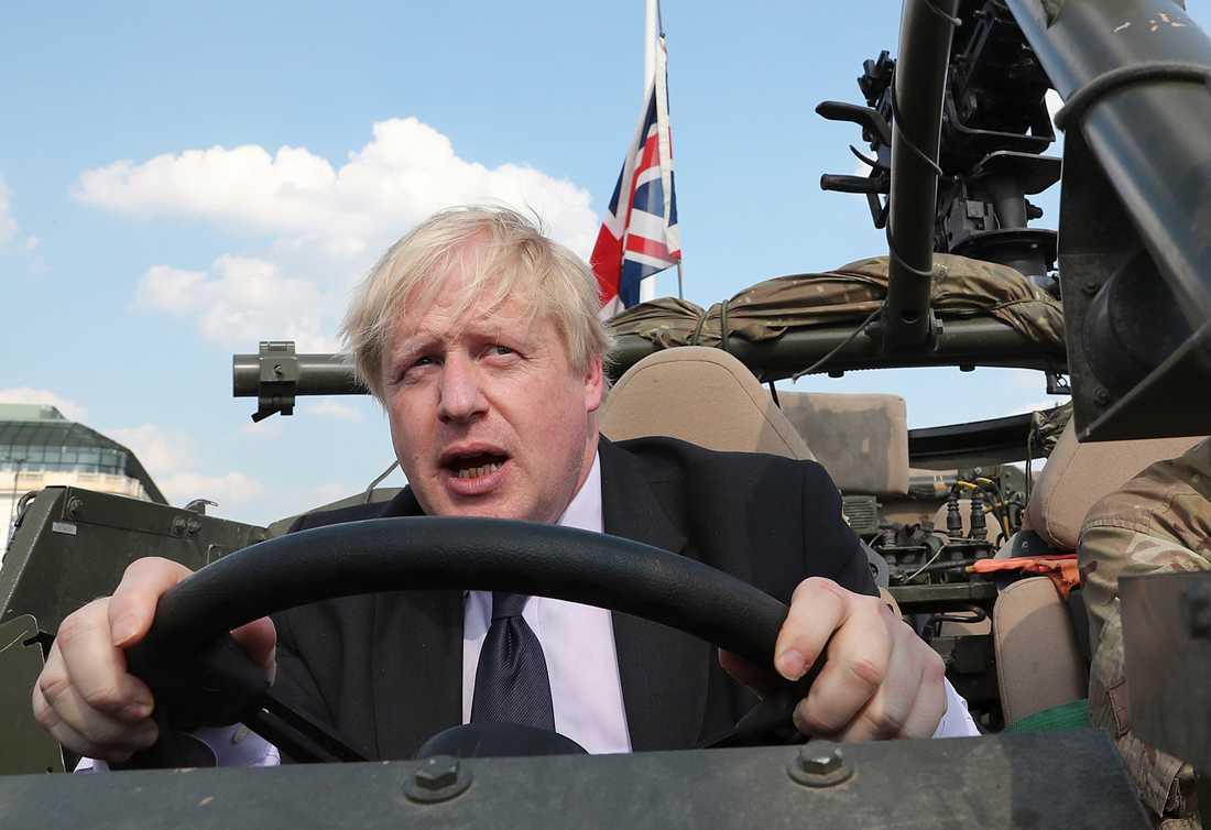 Boris Johnson leder överlägset i alla opinionsmätningar.