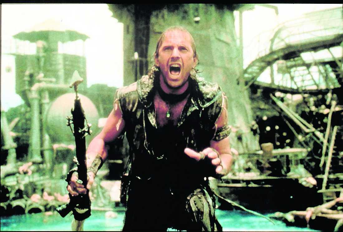 """Kevin Costner som filmhjälte i """"Waterworld""""."""