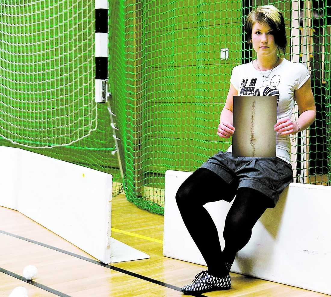 Otursförföljd Täbys Emma Rothoff har åkt på två skador under elitseriesäsongen och endast spelat ett par minuter.