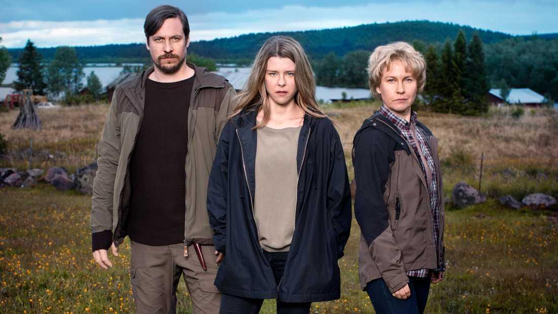 """I säsong två av kriminalserien """"Rebecka Martinsson"""" spelas huvudrollen av Sascha Zacharias. Pressbild."""