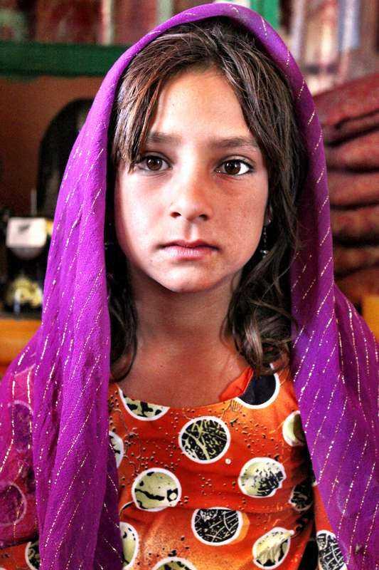 """Får inget val. 10-åriga Shaista är mycket medveteten om att livet skulle ha sett helt annorlunda ut om hon fötts med ett annat kön. """"Min högsta önskan är att bli pojke"""", säger hon."""