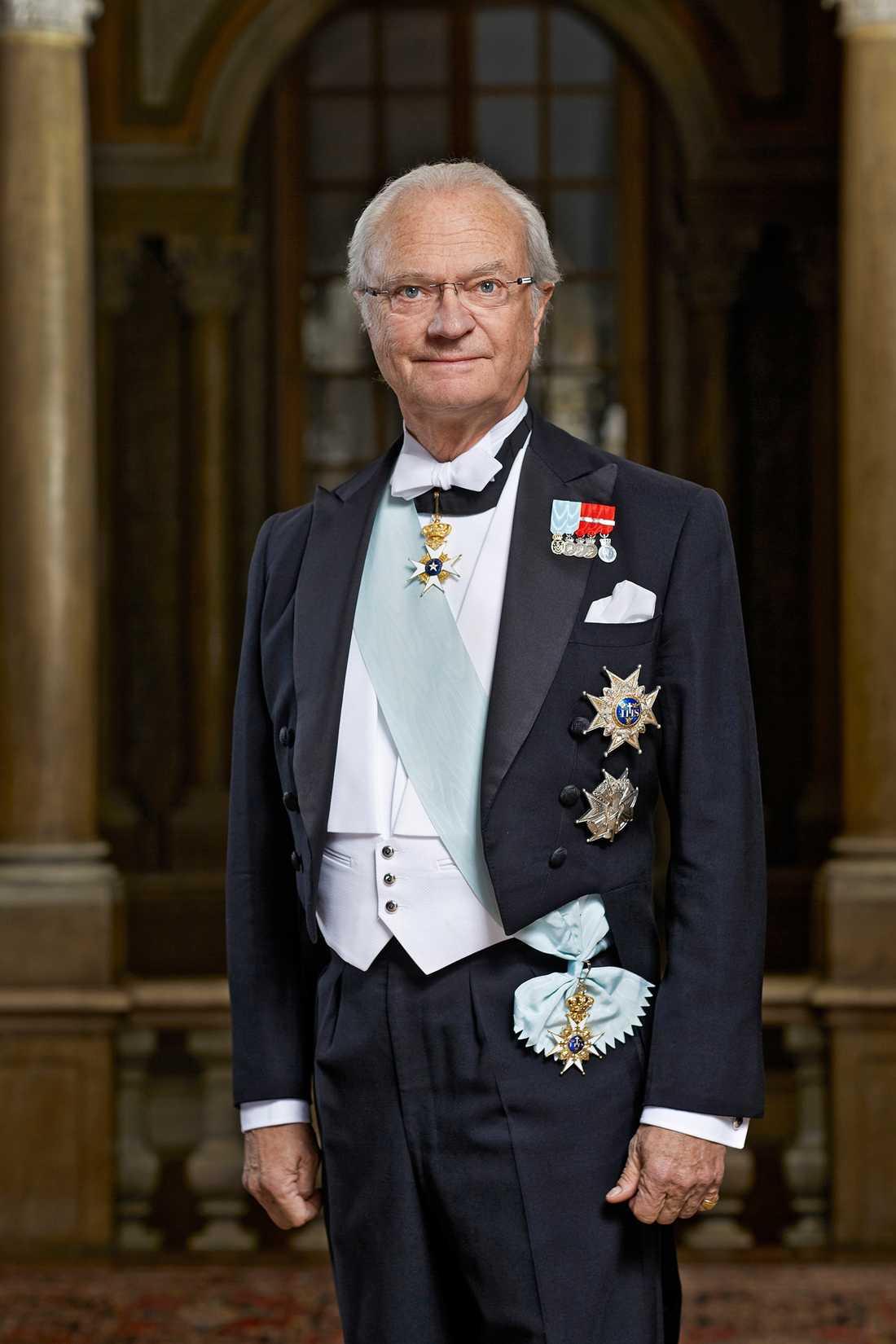 Kungen laddar för fest på Nordiska muséet på fredagkvällen.