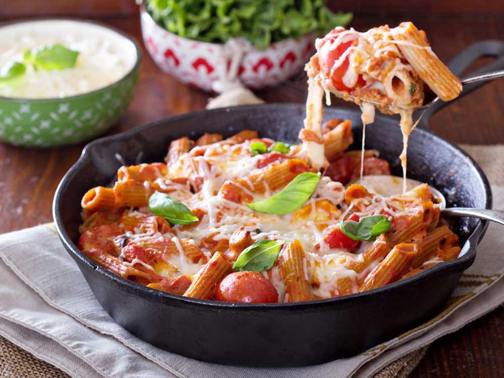 Pasta med tomater och mozarella