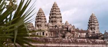 Passa på att se templen i Angkor.
