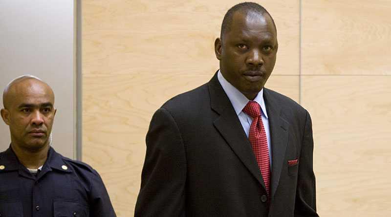 Lubanga fotograferad i rätten i Haag.