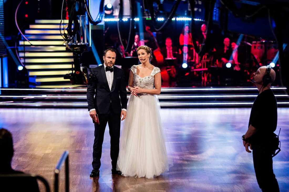"""Jessica Almenäs och David Hellenius under """"Let's dance""""-premiären."""