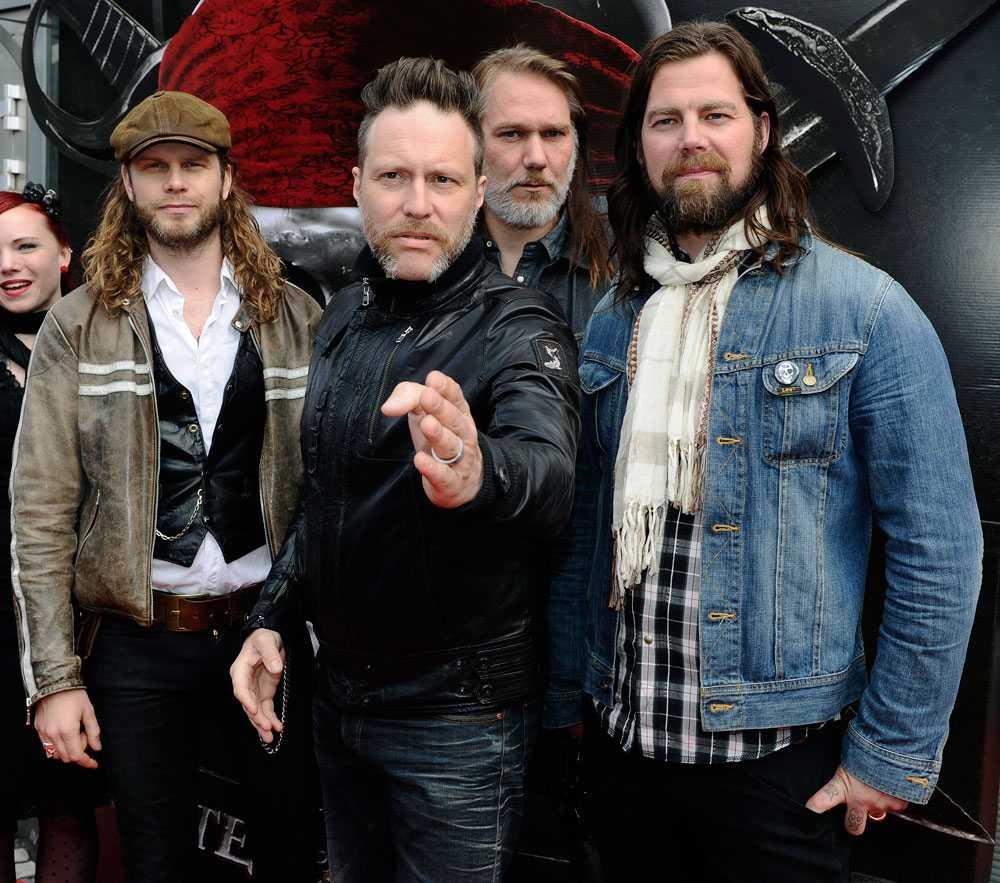 Med bandet Mustasch.