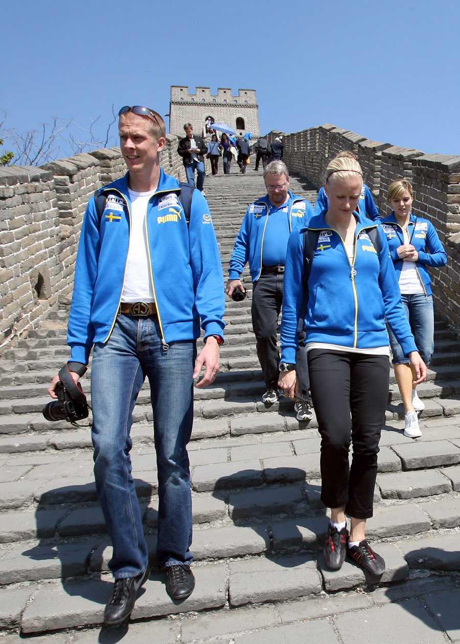 OS I PEKING 2008 Här vandrar Christian Olsson omkring på kinesiska muren inför Peking-OS. Olsson fick 2007 års säsong helt ruinerad på grund av nya skadeproblem.
