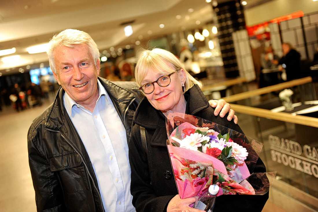 Ingalill och Jan Mosander på Arlanda. De räddades från Costa Concordia.