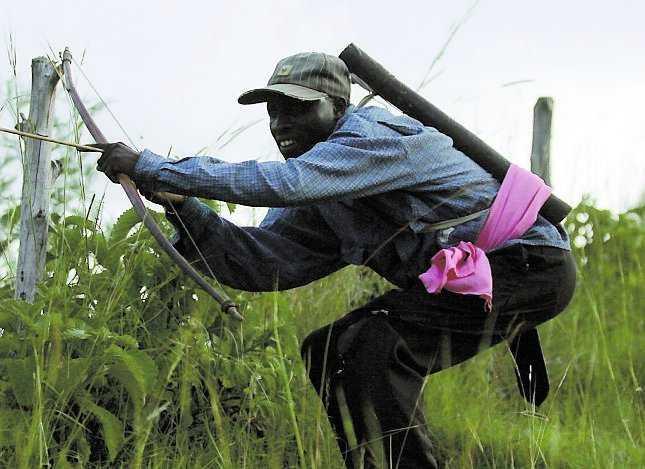 En masajkrigare vid fronten gör sig redo att skjuta.