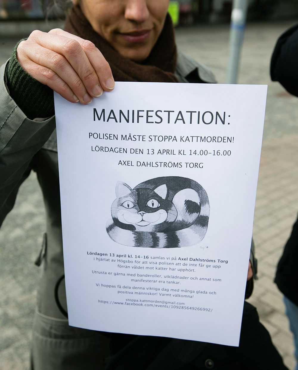 En aktionsgrupp håller en manifestation på lördag på Axel Dahlströms torg för att få stopp på kattmördaren.