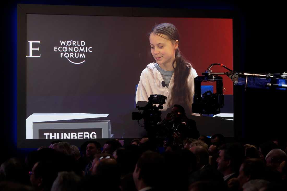 Greta Thunberg på storbildskärm i Davos.
