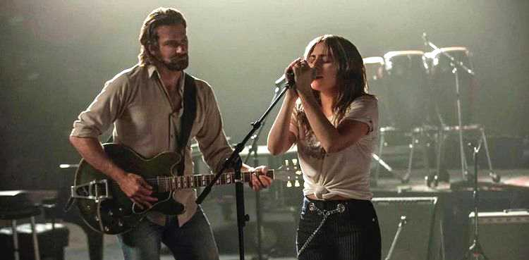 "Bradley Cooper och Lady Gaga i succéfilmen ""A star is born""."