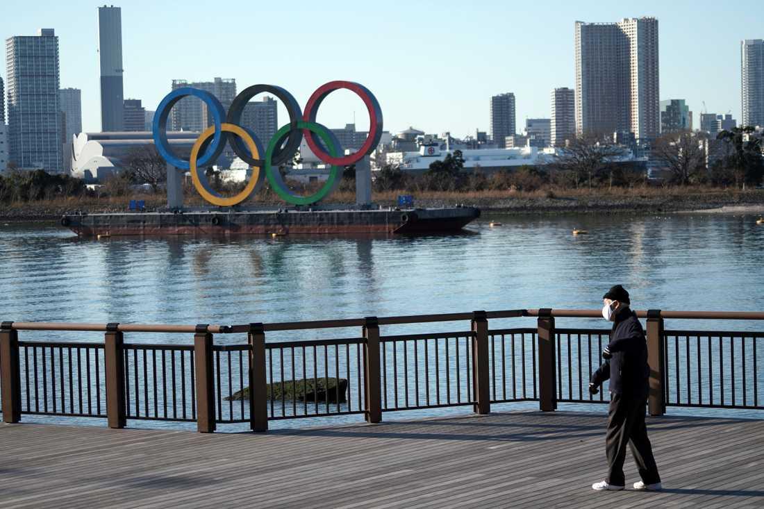 De olympiska ringarna i Tokyo väntar fortfarande på sitt olympiska spel. Arkivbild.