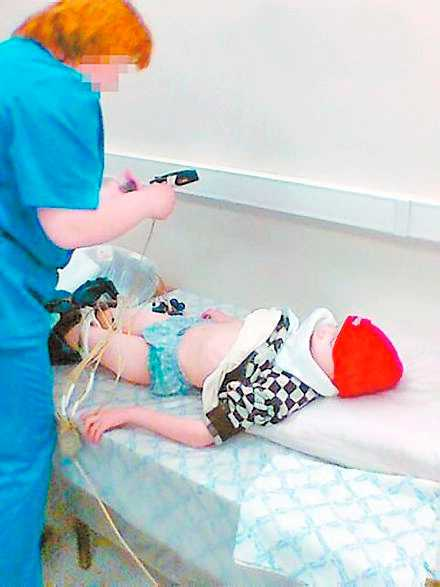 Pojken genomgick en hälsoundersökning på en klinik när han rymde.
