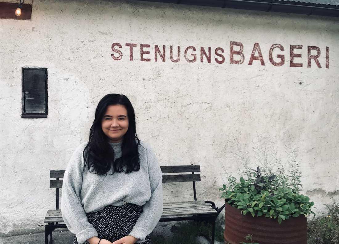 Linnéa Modig Blåder, 22 år, sommarjobbar i Visby.