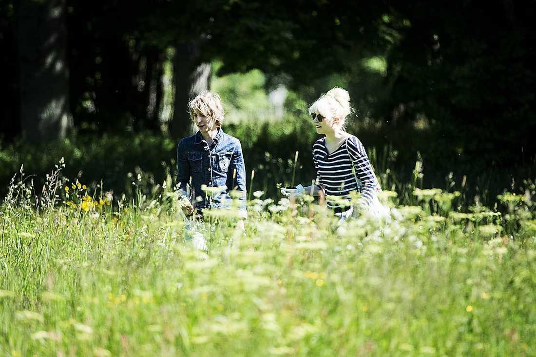 Även Love Antell, 33, och Amanda Jenssen, 25, tycks ha funnit varandra.
