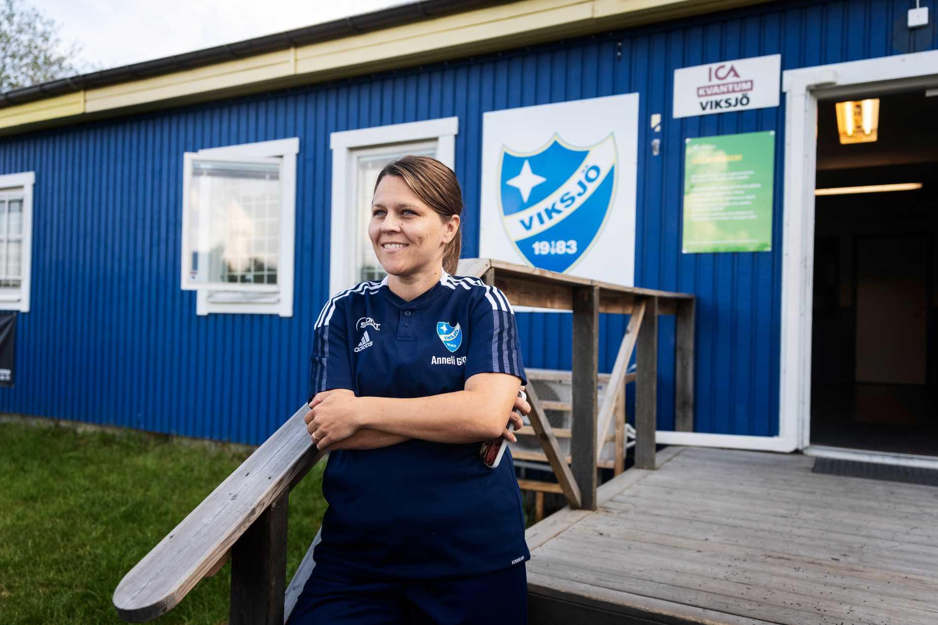 Anneli Gigg vid Viksjös klubbstuga.