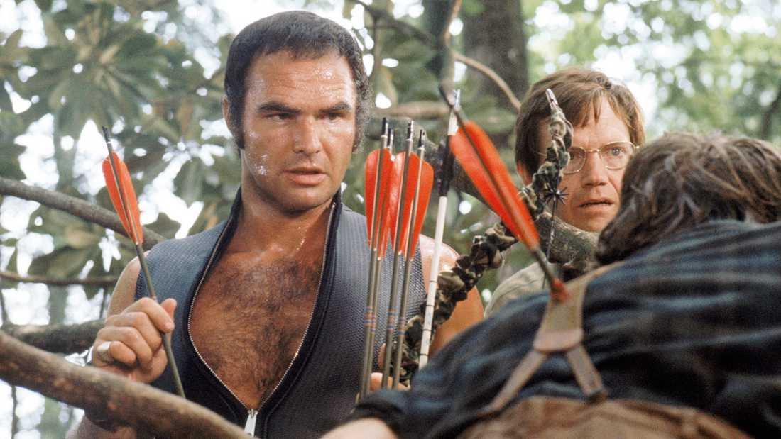 """Burt Reynolds (t v) i klassikern """"Den sista färden""""."""