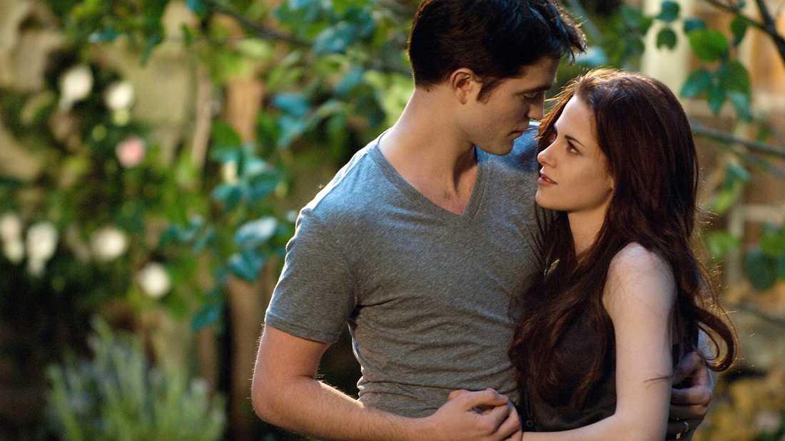 """Kristen Stewart och Robert Pattinson i en av """"Twilight""""-filmerna."""