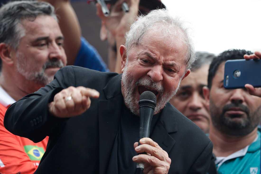 Brasiliens ex-president Luiz Inácio Lula da Silva talade till anhängare under lördagen.