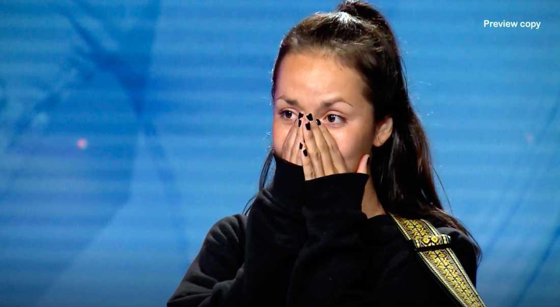 """Nathalie Ulinder belönas med en guldbiljett och är vidare i """"Idol""""."""