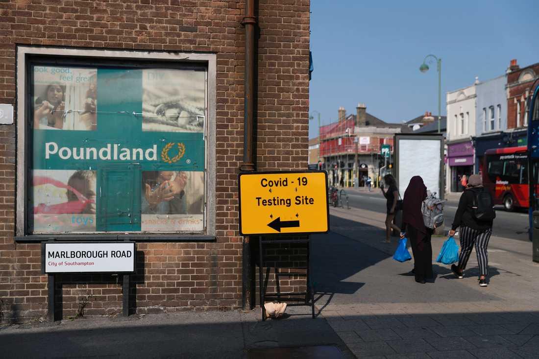 Här erbjuds covidtester i Southampton i England. Det råder ingen tvekan om att Storbritannien har drabbats av en andra våg av coronaviruset, enligt premiärminister Boris Johnson.