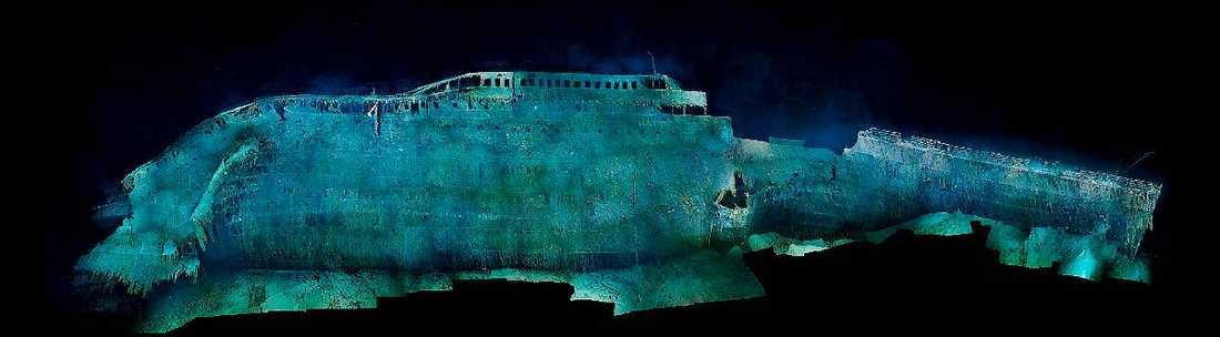BORRADE SIG NER I DJUPET  Titanics för var utformad för smidig framfart i vattnet. Det gjorde att den främre halvan av fartyget sjönk i djupet med fören först och borrade sig djupt ner i havsbottnen …