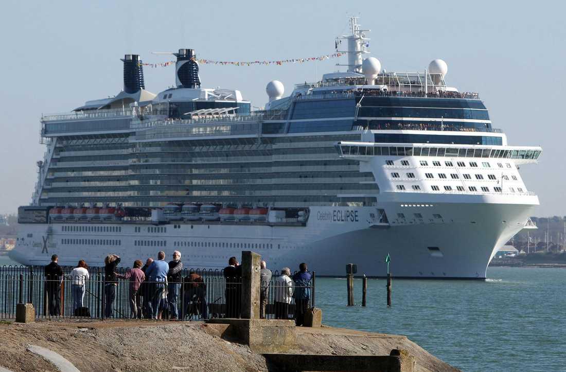 Celebrity Eclipse är ett av de största kryssningsfartygen på världens, byggd 2010. Det har plats för närmare 3000 passagerare och ombord arbetar drygt 1200 personer.