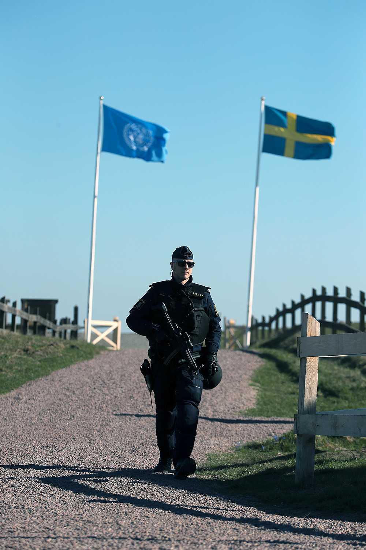 Polis vid Backåkra.