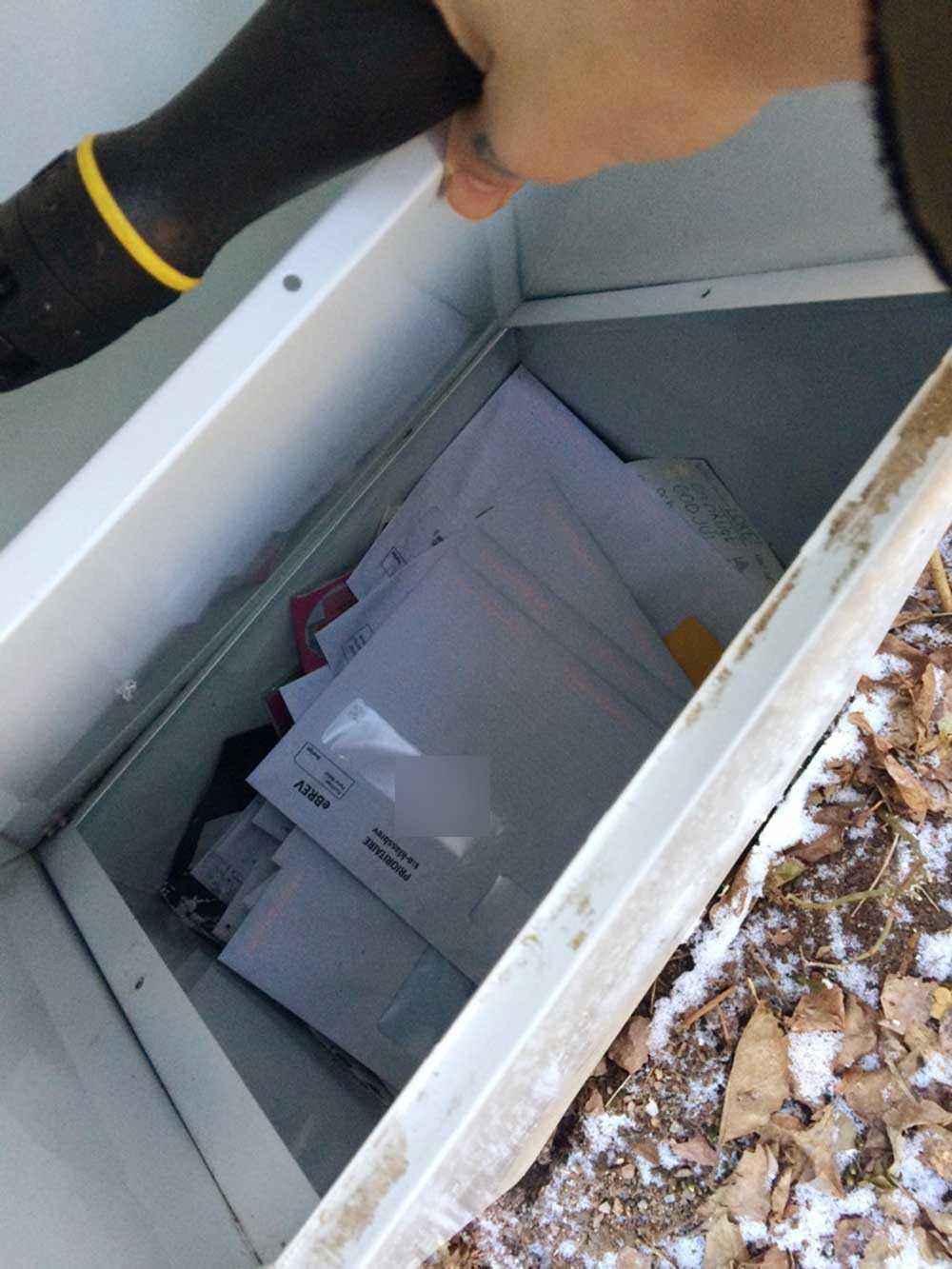 Susanna Gerhardsson missade post som hamnat i ett dolt utrymme i brevlådan.