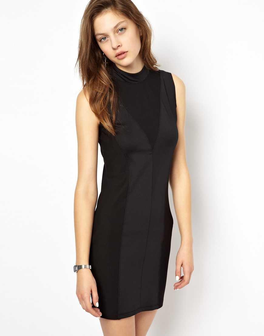 9. Att festa loss i en svart klänning kan man göra oavsett tid på året. Den här modellen är fin att bära både till sneakers eller ett par klackar.