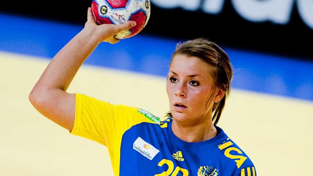 Isabelle under matchen mot Holland i handbolls-EM.